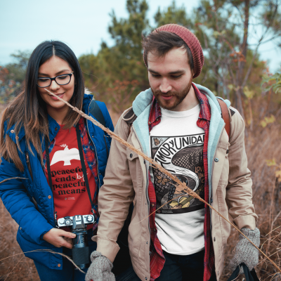 couple-wearing-tshirts-mockup-while-traveling-a19034 (1)